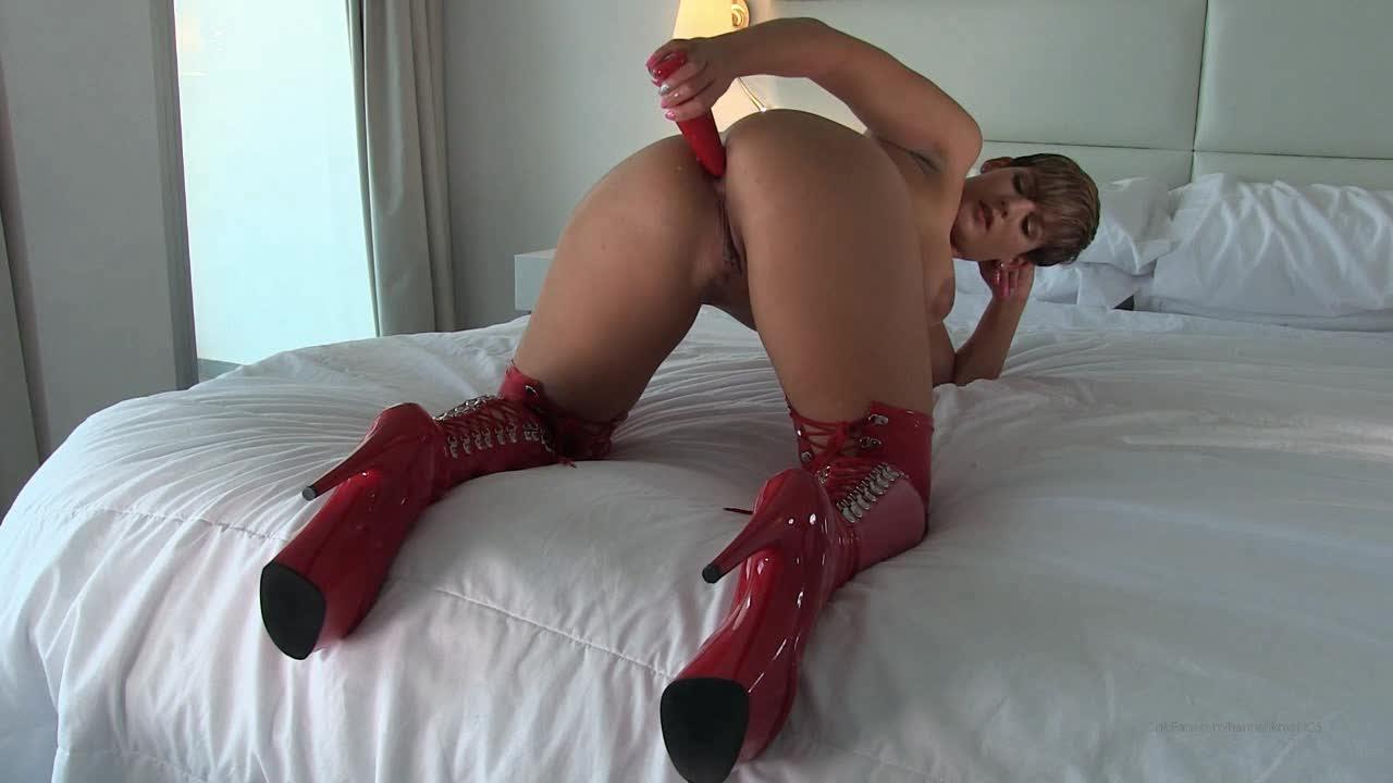 Hannah brooks lesbian porn pics
