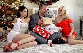 Alex Coal/Kiara Cole – Cumming For Christmas