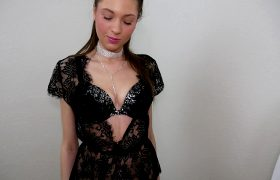 Dressed Up And Sucking Cock :)