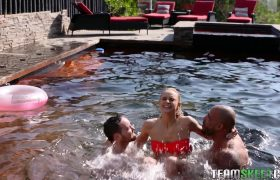 Emma Hix Invited Her Friends To The Pool… Ended Up Fucking Them