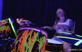 Felicity Feline – Bang The Drummer