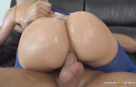 Giant Ass Anal Pounding Anikka Albrite