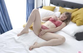 GirlsOutWest – Laney – Dreamy