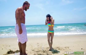Jasmine Grey – Petite Beach Babe Gets Boned