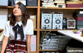 Jasmine Grey – Shoplyfter