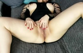 Jiggly Ass Wife Using Baby Oil