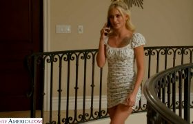 Kiara Cole – Sexy And Cute Kiara Cole Is So Horny She Just Gots To Have Her Pussy Pounded