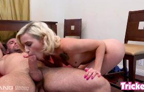Kiara Cole Tries To Fit A Fat Cock In Her Mouth