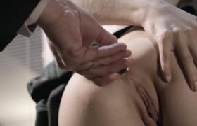 Lola Fae – Playing With Butt Plug