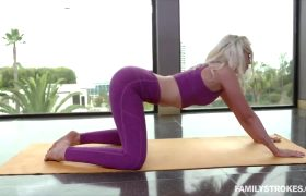 Lyra Law – Health Conscious Pussy Hammering