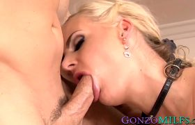 Phoenix Marie – Thick Blonde Phoenix Marie Gets Her Daily Cock Fulfillment