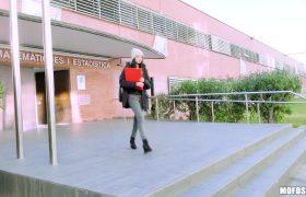 Rebecca Volpetti – Uni Student Needs Money