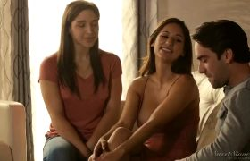 Reena Sky – Fucking Mom In Front Of Daughter