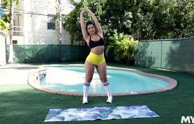 Rose Monroe – X Rated Exercise