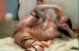 Sophia Diemonds – Drunk Oiled Teen Couple Humiliated On WEBCAM