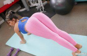 Tru Kait – Grabbing Tru's Butt At The Gym