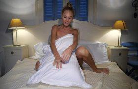 Watch4Beauty – Nancy A – Behind The Door