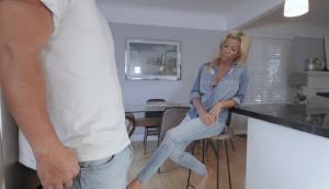 Alexis Fawx – Becoming The Cool Stepmom
