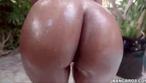 Arianna Knight – That Ass Is Tremendous!