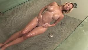 Ashlynn Brooke Showered Up