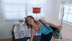 Bianca – Latina Milf Cleans And Fucks For Cash