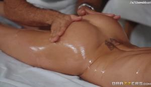 Brandi Love – Mom Fucked The Masseur
