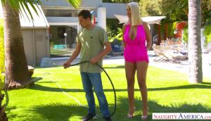 Bridgette B – Doing Some Yardwork For The Local MILF
