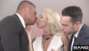 Christina Shine – Double Penetration Fuck
