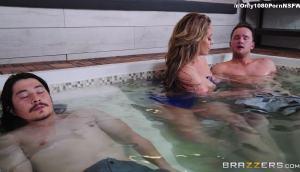 Hot Tub MILF Machine – Eva Notty