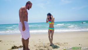 Jasmine Grey – Petite Beach Babe Gets Boned