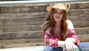 Scarlett Snow – Hoe On The Range