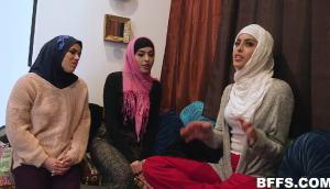 Sophia Leone – Hijabi Poonjab Special