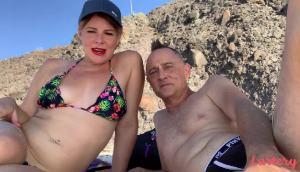 Spunky & Mr.Spunks – Beach Bumming